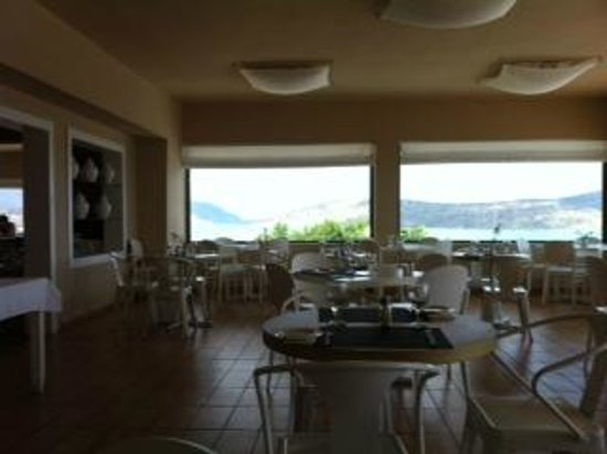 SENTIDO Elounda Blu: restaurant area - lovely bright and clean