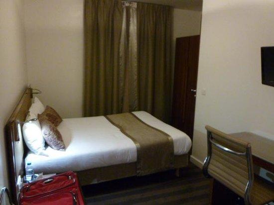 Art Hotel Congres: Single room - main view