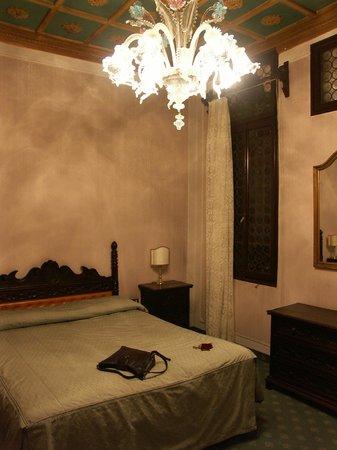 Hotel Rialto: our room