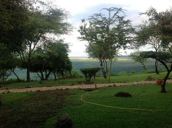 Lake Manyara Serena Lodge: view from escarpment to Lake Manyara at Serena Lodge