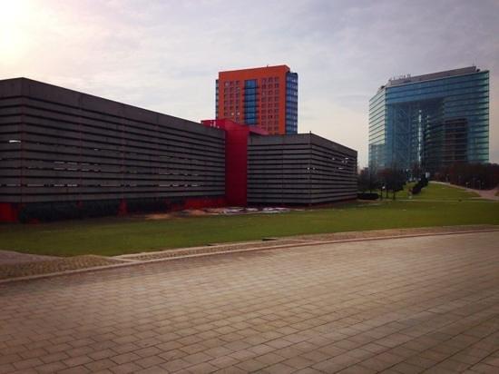 Rheinuferpromenade: 建物