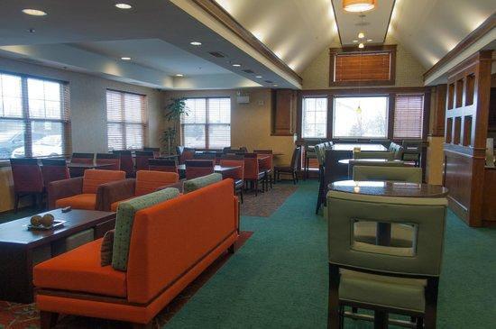 Residence Inn by Marriott Harrisburg Carlisle: Gatehouse/Lobby