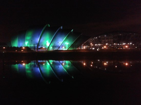 Clyde Arc Bridge: Close up view of the Armadillo