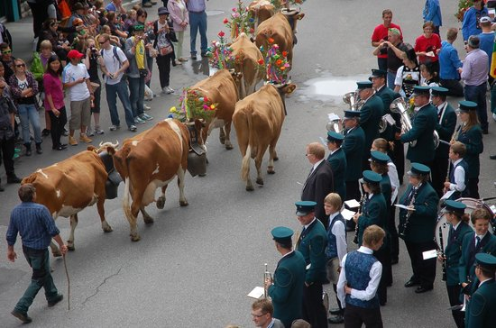 Eiger Guesthouse: Village parade on the first weekend in August