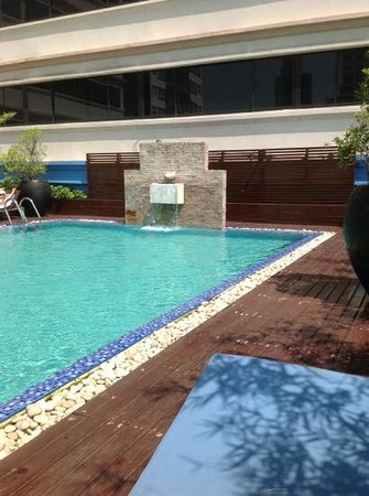 Marvel Hotel Bangkok: pool