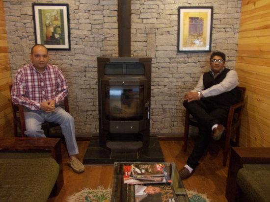 Honeymoon Inn Manali: Sitting Area