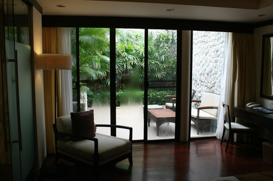 The Pool Villas at Dusit Thani Laguna Phuket: Dusit Thani Pool Villa: Patio area of second bedroom