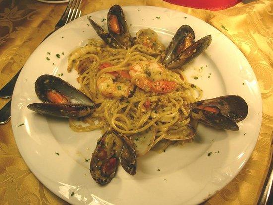 Vittorio al Mare: spaghetti ai frutti di mare