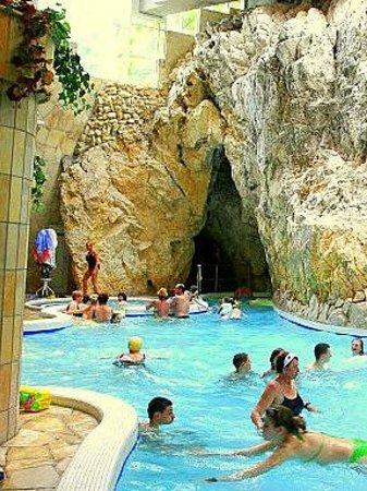 Cave Bath of Miskolctapolca: Grottenbad Miskolc-Tapolca in Hongarije