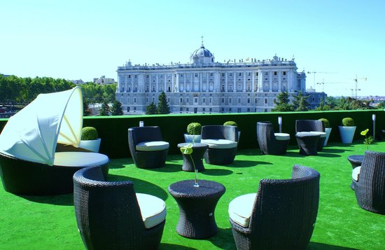 ApartoSuites Jardines de Sabatini : Roof top terrace