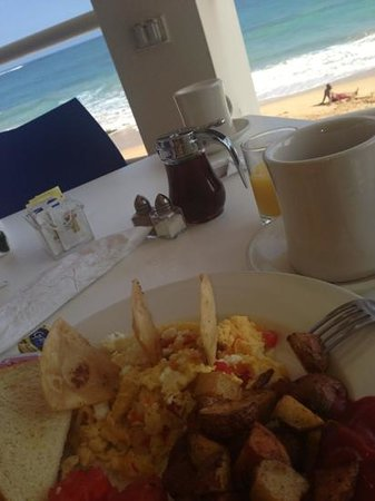 Atlantic Beach Hotel: breakfast with a view