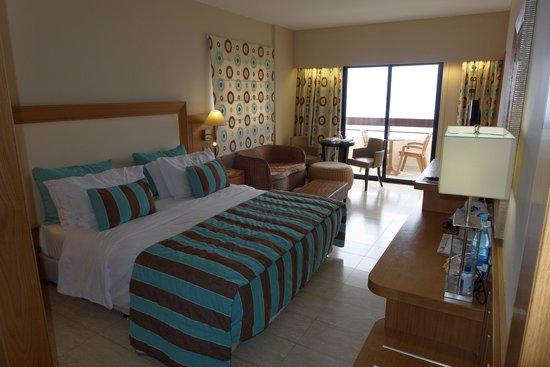 Atlantica Golden Beach Hotel: Room 214 (junior Suite)