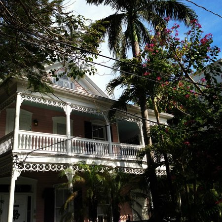 Ambrosia Key West Tropical Lodging: the building with Amelia Suite