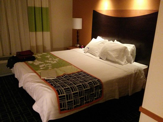 Fairfield Inn & Suites Lewisburg: Comfortable, clean bed
