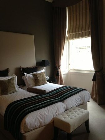 Fraser Suites Edinburgh: our beautiful room 507!