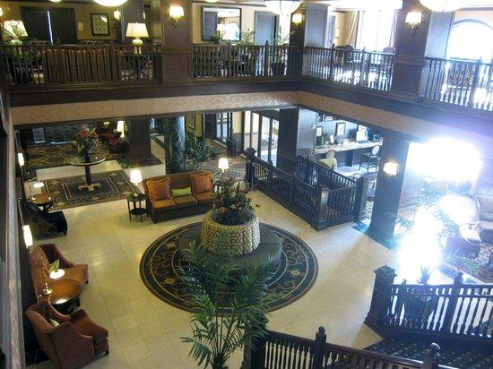 Hotel Julien Dubuque: Hotel Lobby