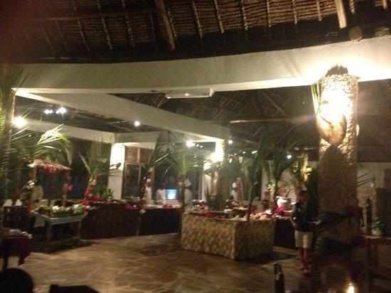 Jacaranda Beach Resort: Ristorante al primo piano