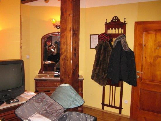 Hotel Metamorphis: room