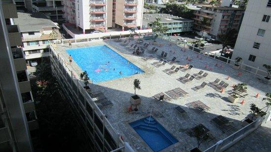 Aqua Skyline at Island Colony: La piscina vista dal balcone della mia stanza