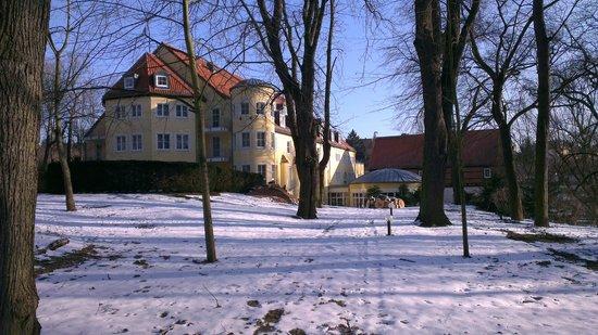 Hotel Villa Weltemühle Dresden: Vom Park aus gesehen