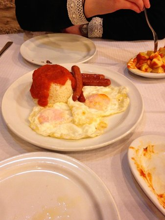 A Trigueira: Stunning dish with rice, sausage and Egg.