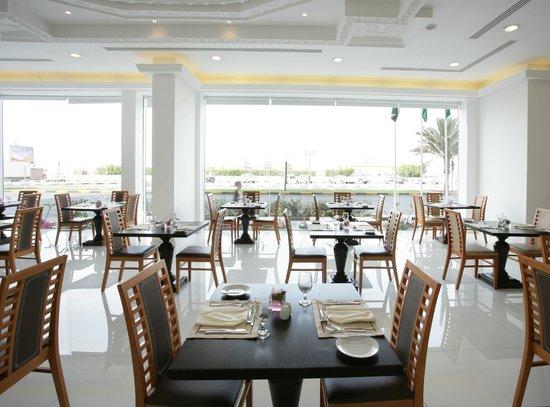 Ramada Beach Hotel Ajman: Flavors Restaurant