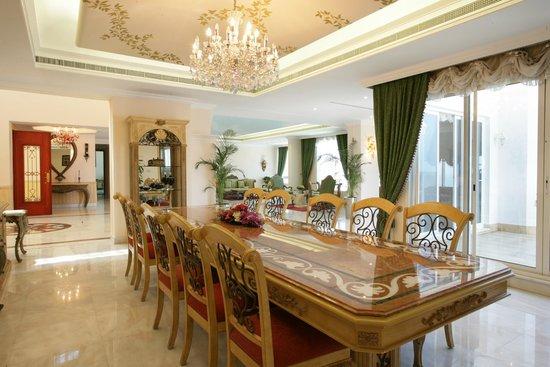 Penthouse Dining Room Izobrazhenie Ramada Beach Hotel Ajman Adzhman