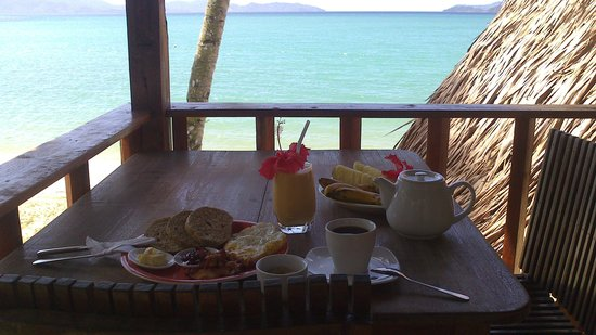 Port Barton, Filippinerna: breakfast at private deck
