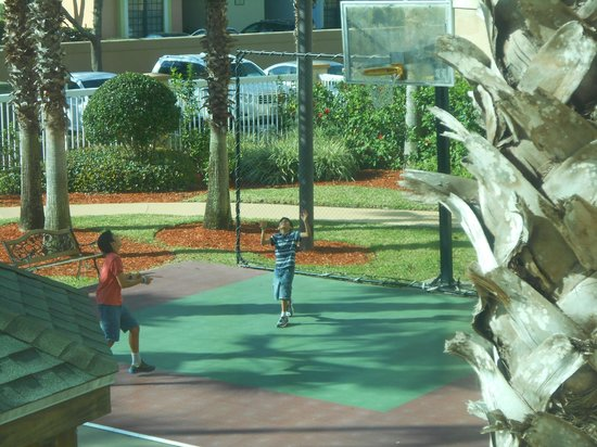 Hawthorn Suites by Wyndham Orlando Lake Buena Vista: Basketball Court