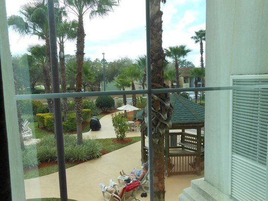 Hawthorn Suites Lake Buena Vista: Hotel Grounds (View from Our Room)