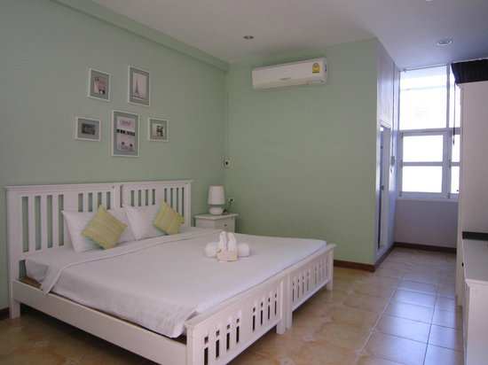 Feung Nakorn Balcony Rooms & Cafe: Our second room