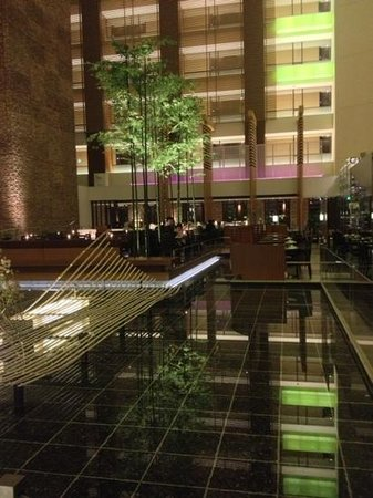 The Strings by InterContinental Tokyo: lobby with view on restaurant