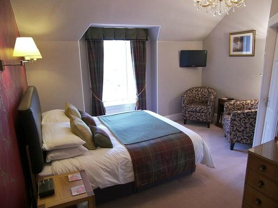 Fascadail Country Guest House: Room 5 Loch view en-suite with bath and shower over