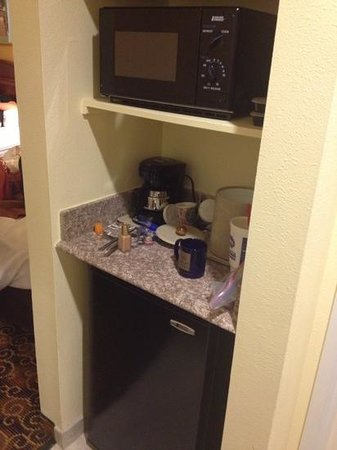 Comfort Suites: room 214