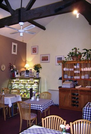 The Old Bakery Tearoom: Spacious area for cakes