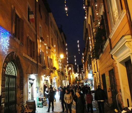 Hotel Residenza San Calisto: Rome Trastevere at night