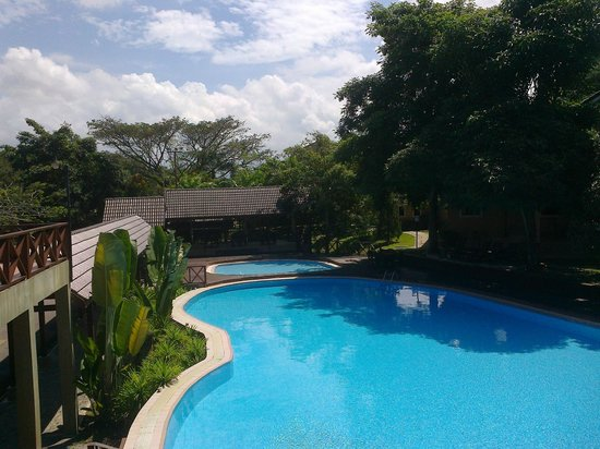 Lembah Impian Country Homes Resort: pool