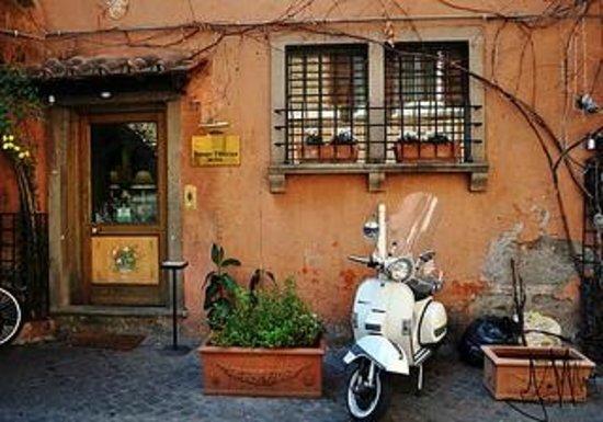 Hotel Residenza San Calisto: Trastevere details