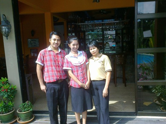 Lembah Impian Country Homes Resort: c abana staff