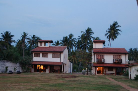Villa Sunbird : View of the two villas and in front the garden