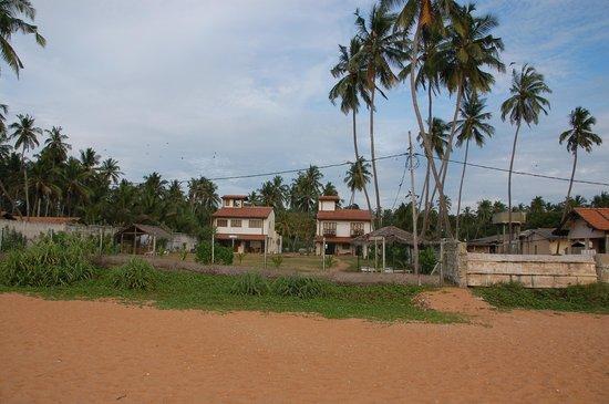 Villa Sunbird : Beach infront of the hotel
