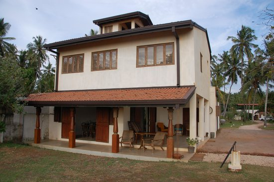 Villa Sunbird : Front of our villa with room first floor