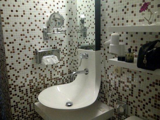 Mercure Hotel Berlin Zentrum : Salle de bains