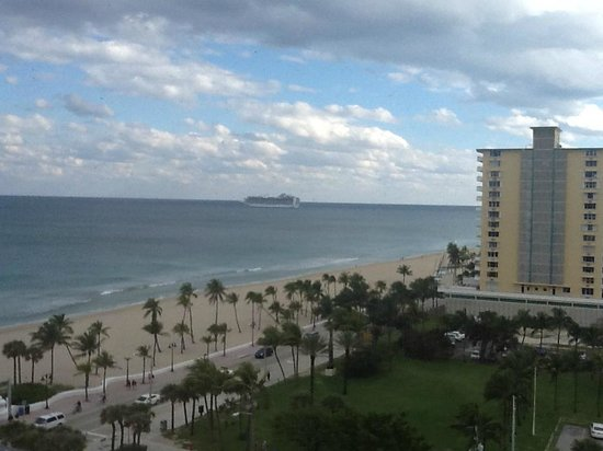 Courtyard Fort Lauderdale Beach: View From Room With Cruise Ship Leaving Port Everglades