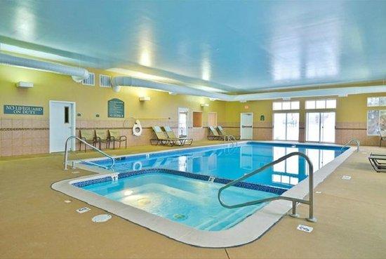 Best Western Plus Coldwater Hotel: Pool & Spa