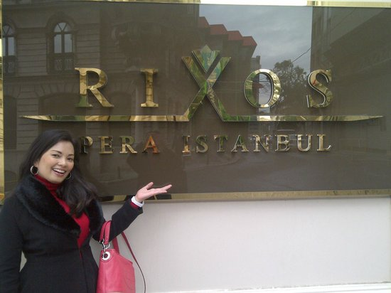 Rixos Pera Istanbul: right outside at the name plaque