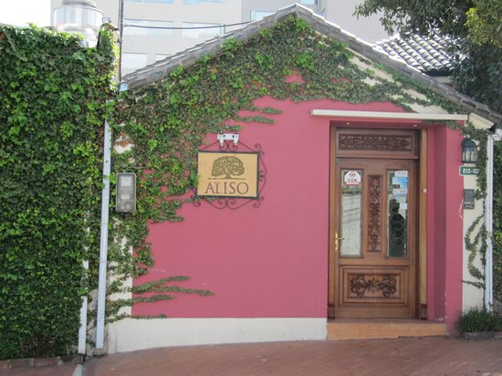 Casa Aliso: front of hotel