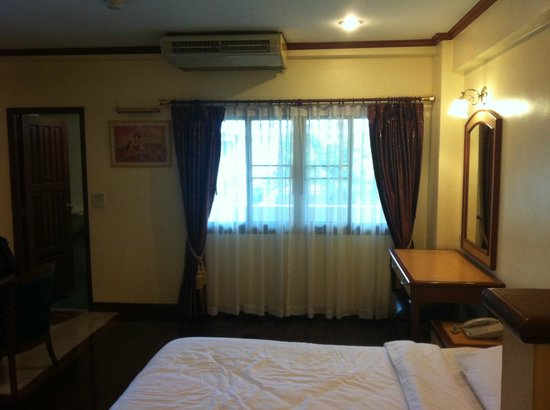 Patumwan House: Room