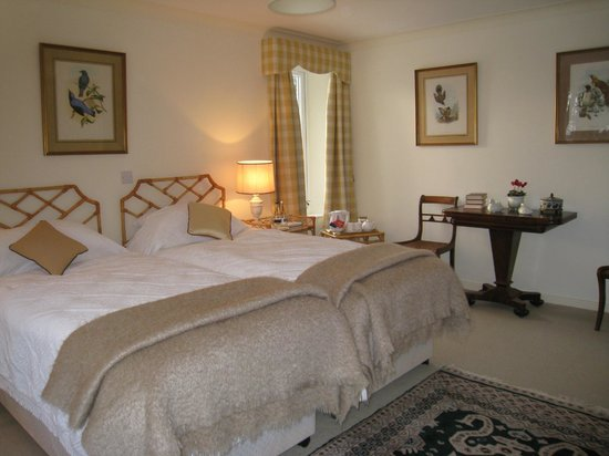 The Moorhouse: Spacious Wakehill Bedroom