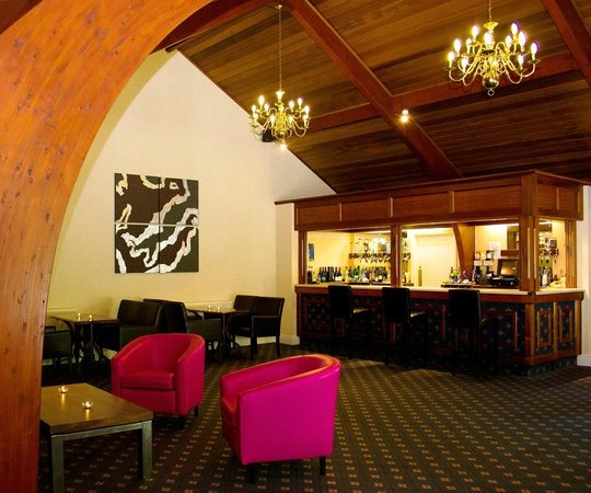 Moorland Garden Hotel: Mayflower Room, events, bar